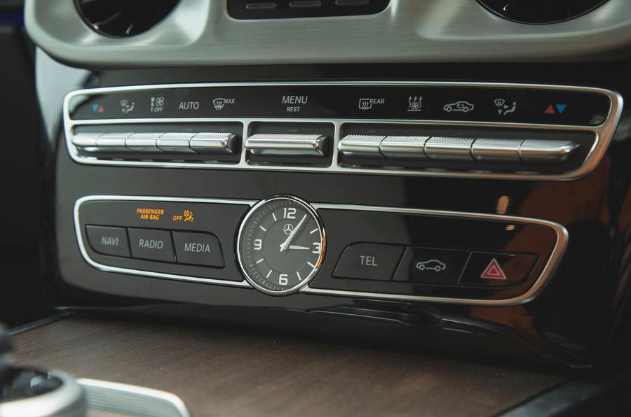 Mercedes-Benz G-Class 2019 road test review - clock