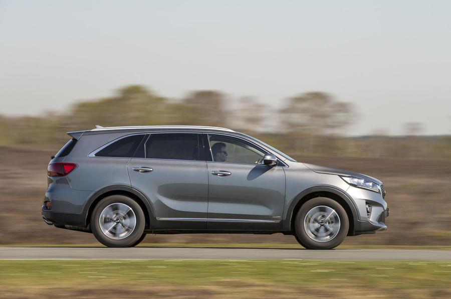 Kia Sorento 2018 road test review on the road right