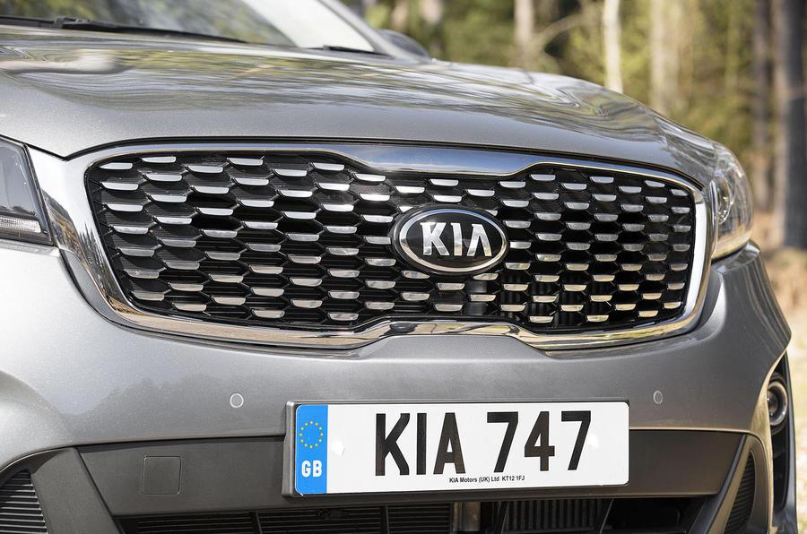 Kia Sorento 2018 road test review kidney grille