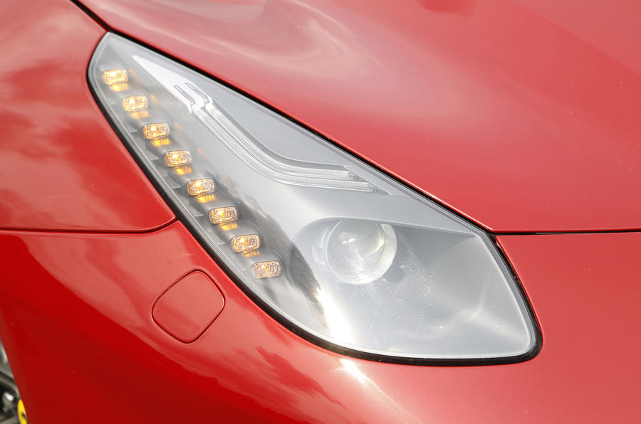 Ferrari F12 bi-xenon headlights
