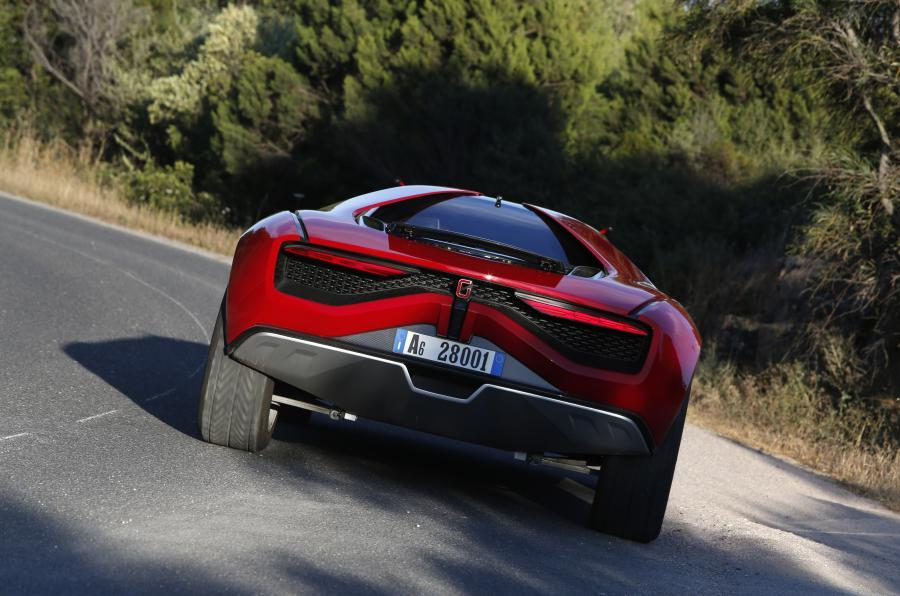 ItalDesign Giugiaro Parcour rear cornering