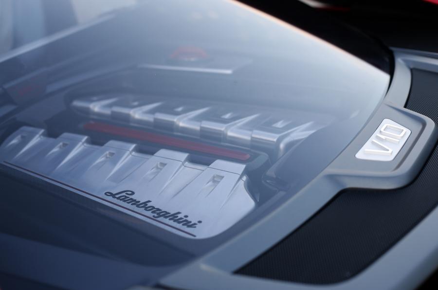 ItalDesign Giugiaro Parcour engine window
