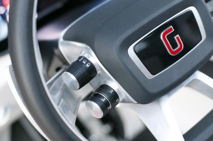 ItalDesign Giugiaro Parcour steering wheel