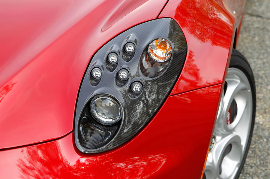 Distinctive Alfa Romeo 4C's headlights