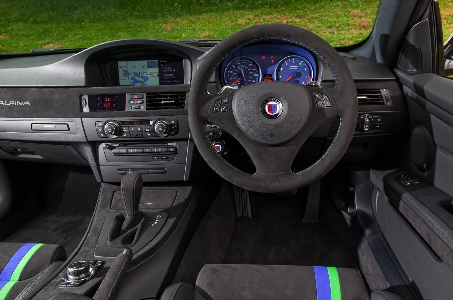 Alpina B3 GTS's dashboard