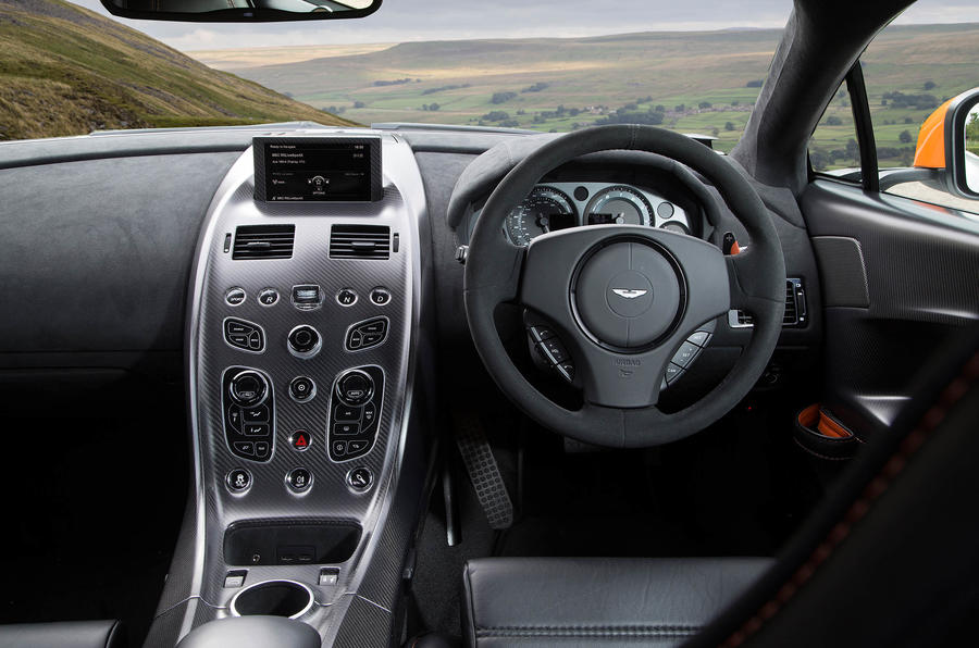 Aston Martin Vantage GT12 dashboard
