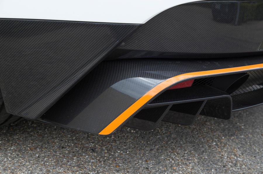 Aston Martin Vantage GT12 rear splitter