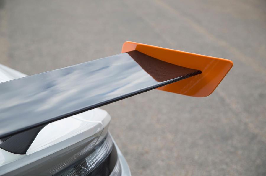 Aston Martin Vantage GT12 rear wing