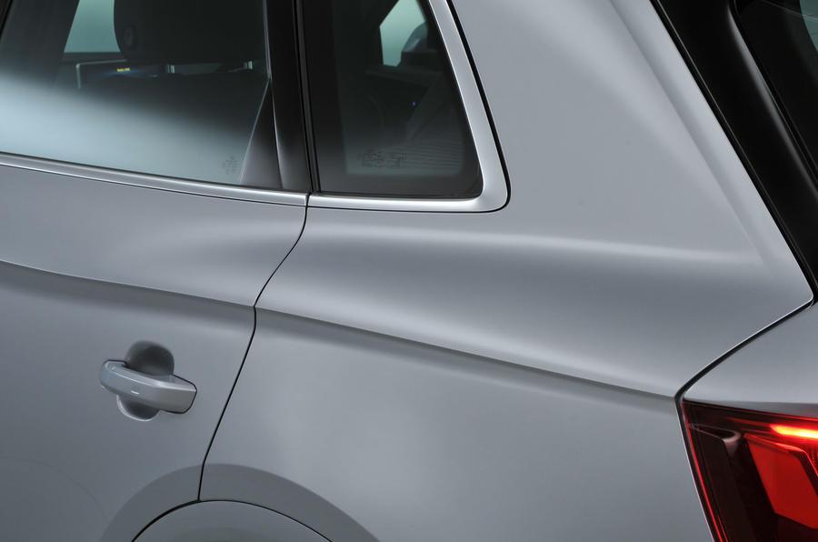 Audi Q5 high waistline