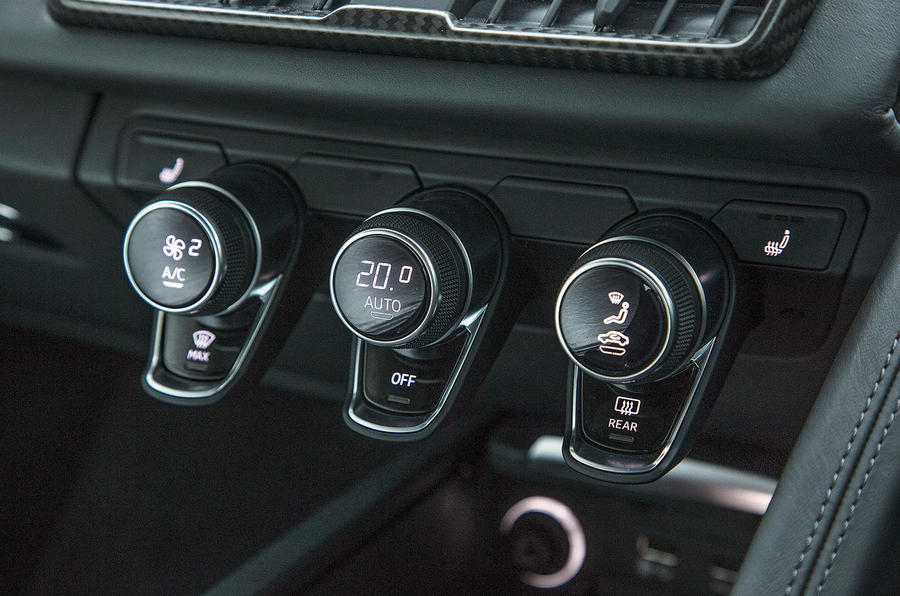 The climate control switchgear in the Audi R8 V10 Plus