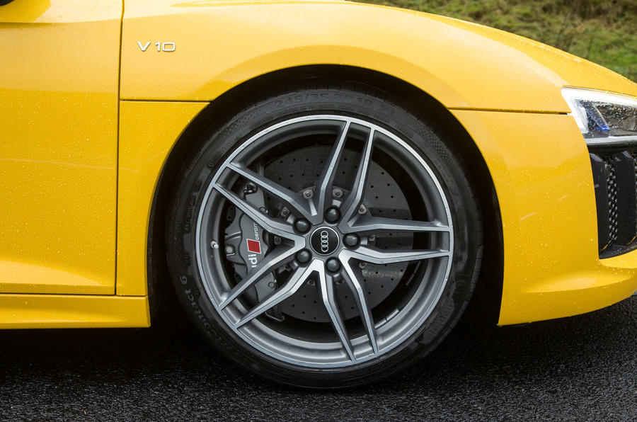 Both R8 models get 19in alloys with the V10 gets cast alloy spoke wheels...