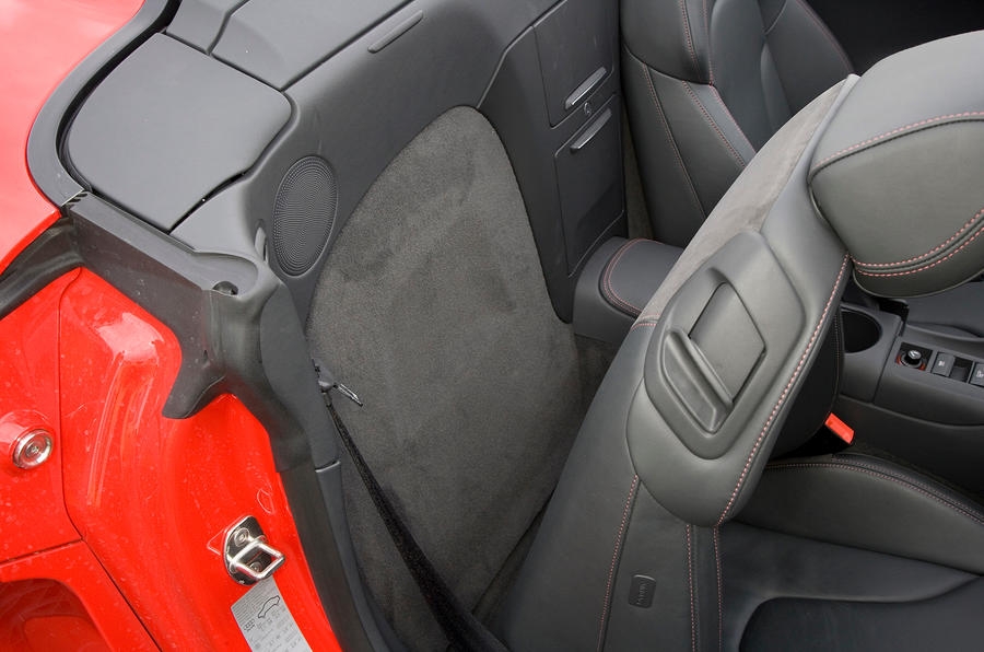 Audi R8 space behind front seats