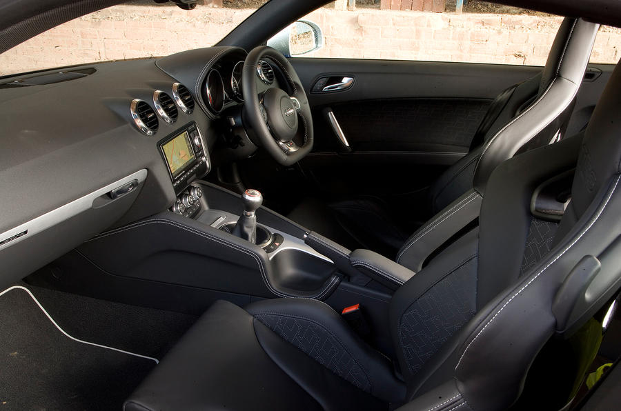 Audi TT RS front seats