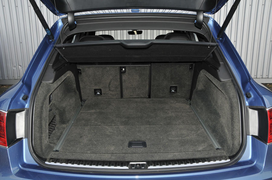 Bentley Bentayga Diesel boot space