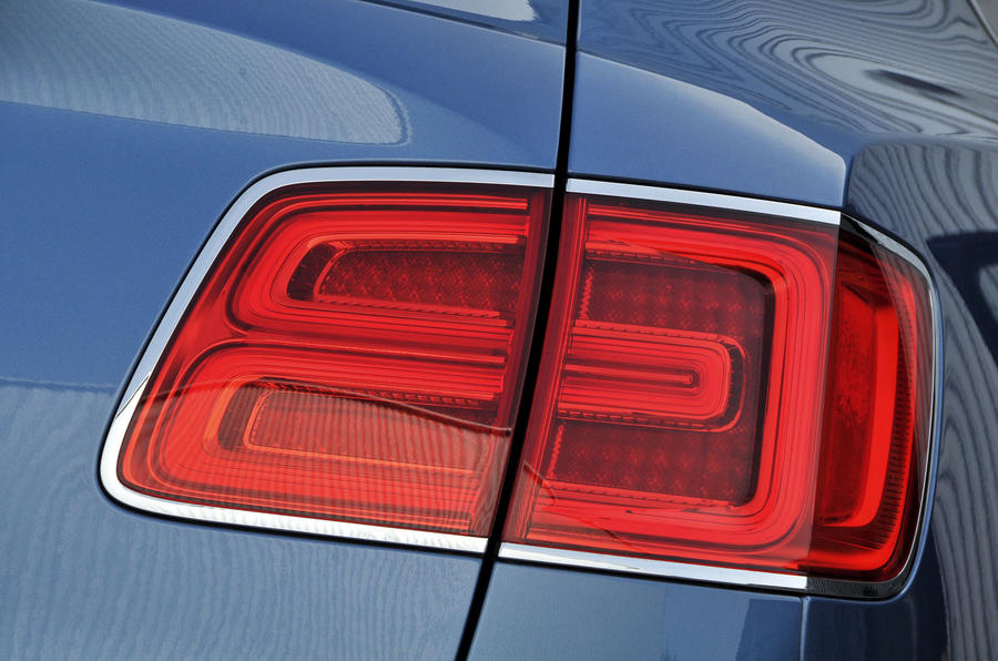 Bentley Bentayga Diesel rear lights