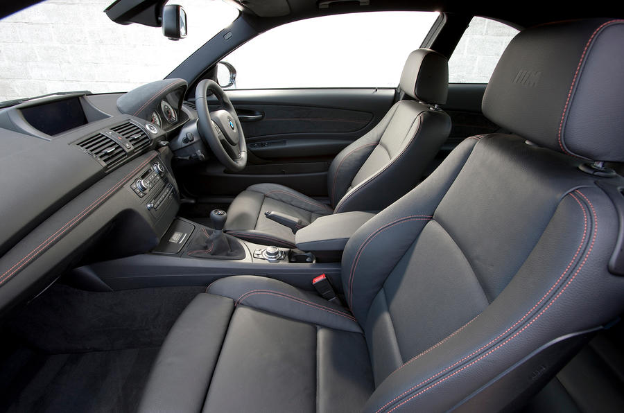 BMW 1 Series M Coupé front seats