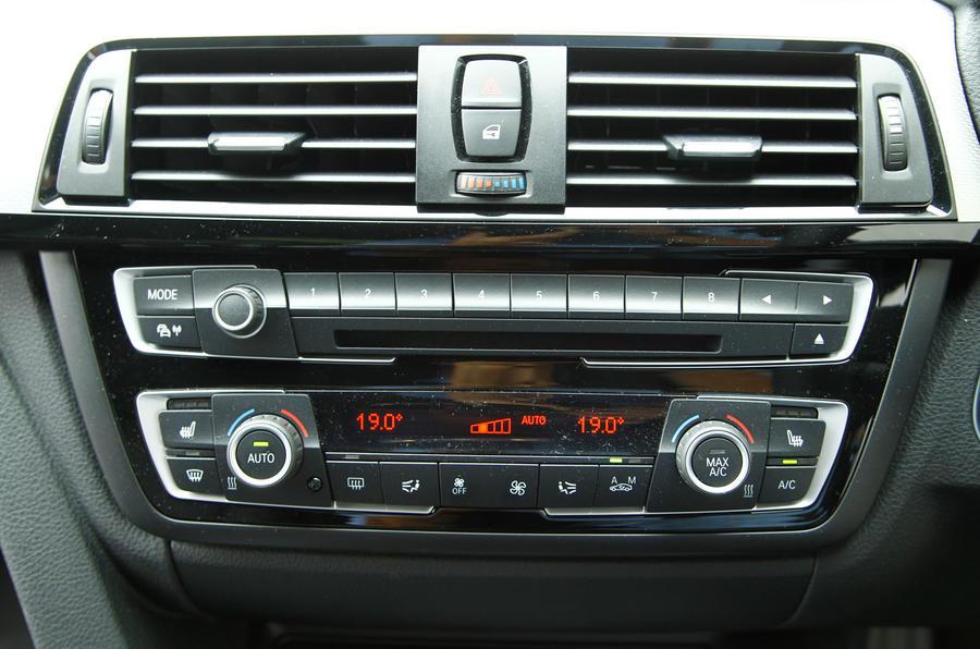 BMW 4 Series centre console