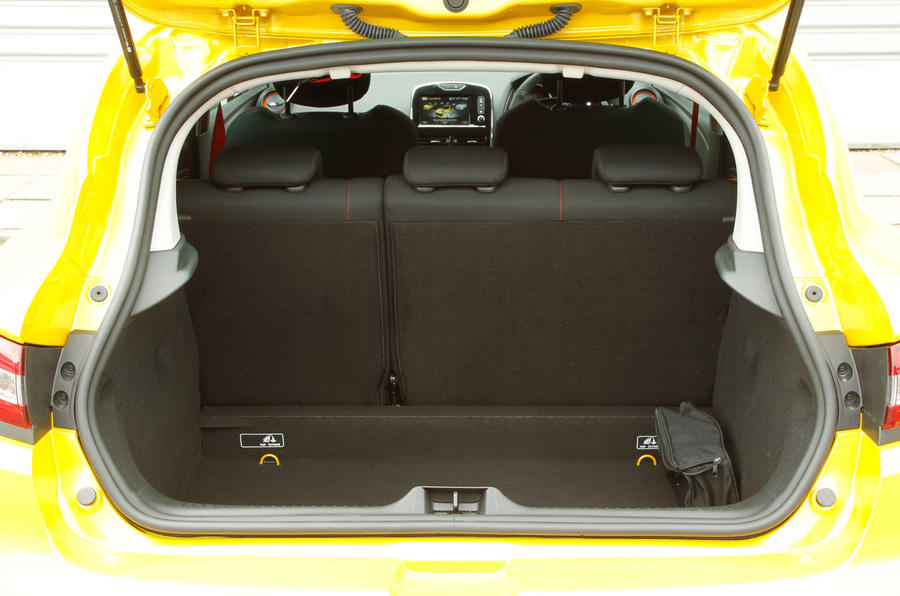 Renault Clio RS boot space