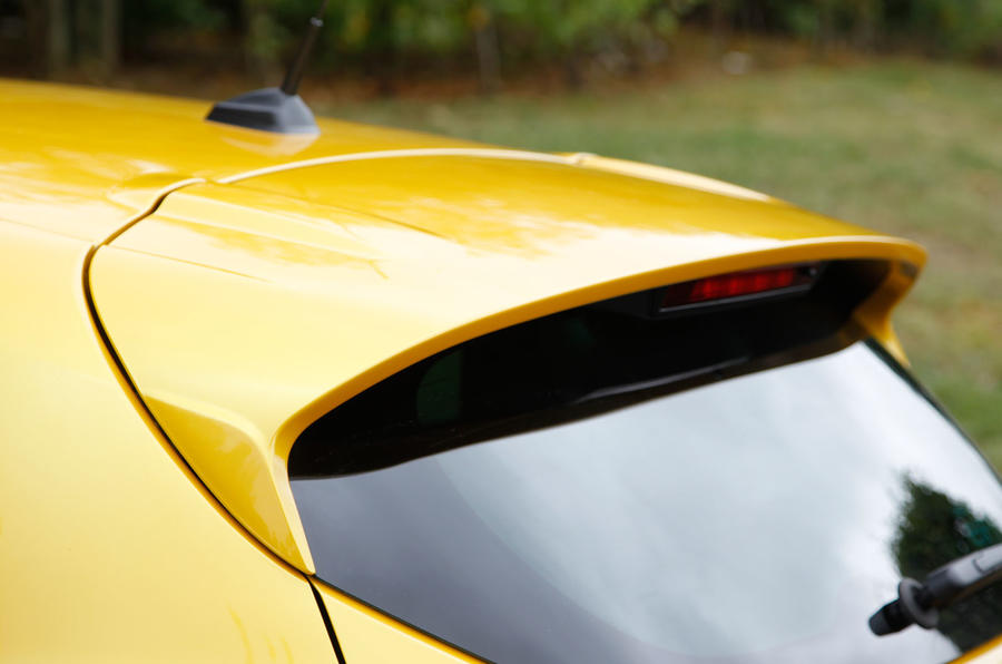 Renault Clio RS roof spoiler