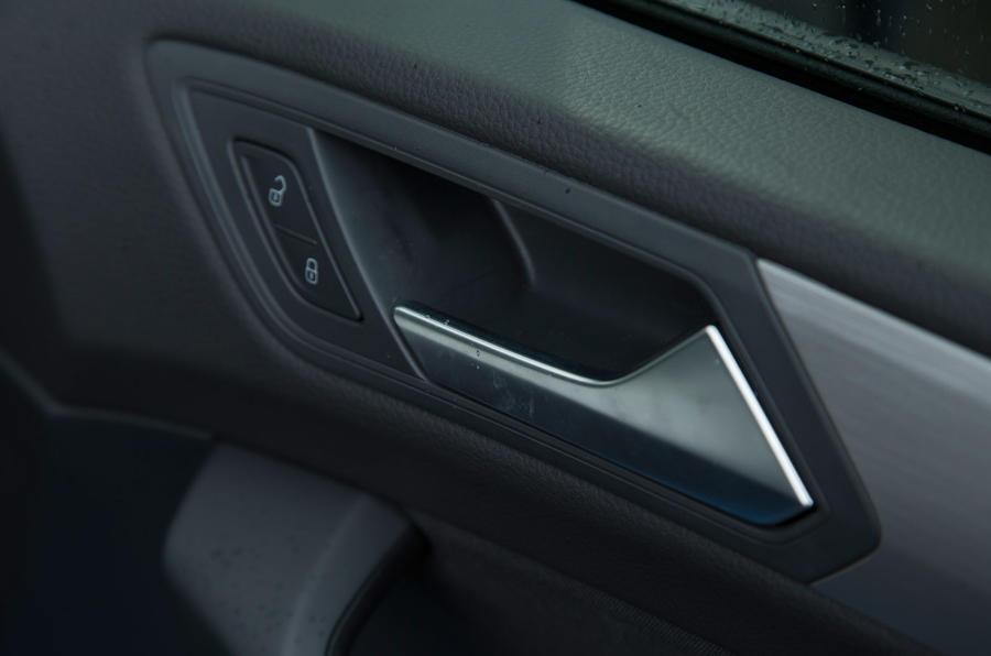 Volkswagen Touran's door locks