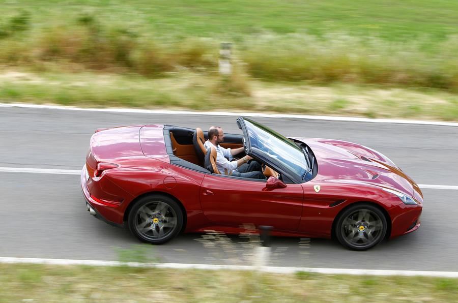 196mph Ferrari California T