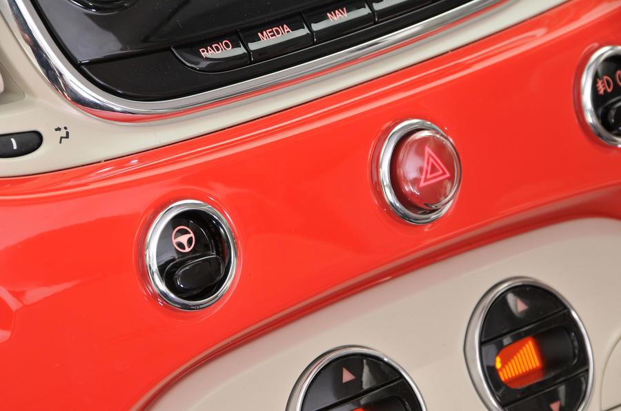 Fiat 500 switchgear