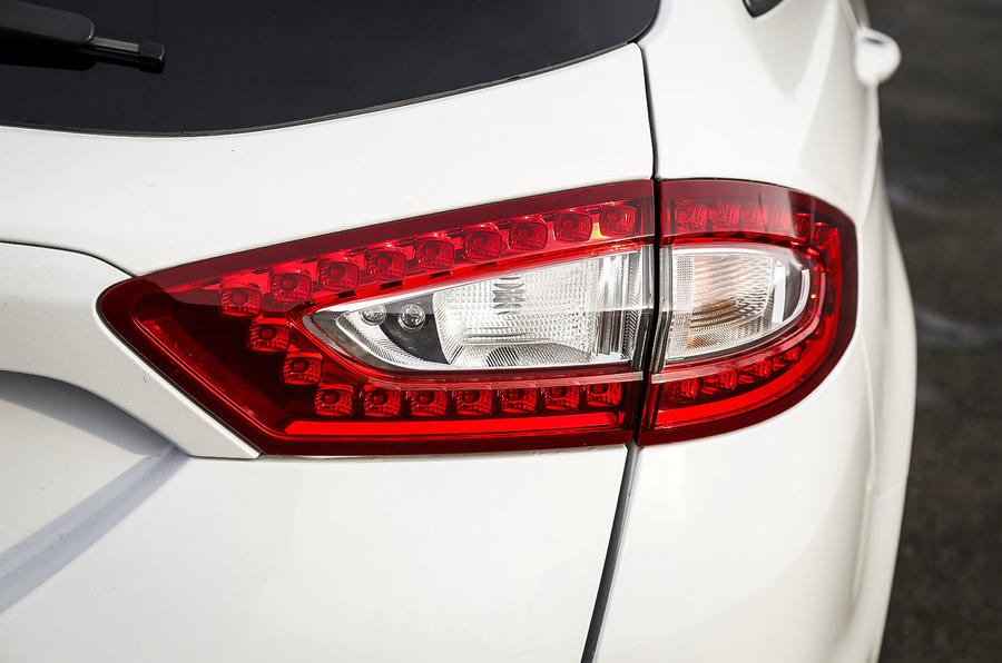 Ford Mondeo tailights