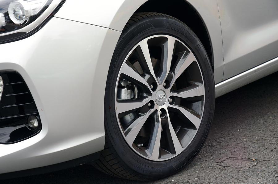 17in Hyundai i30 alloy wheels