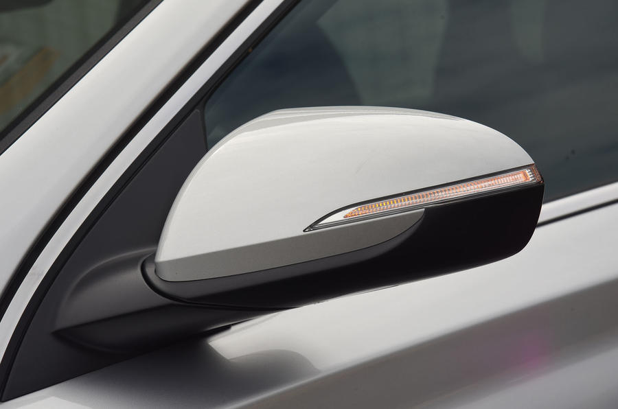 Hyundai i30 wing mirror
