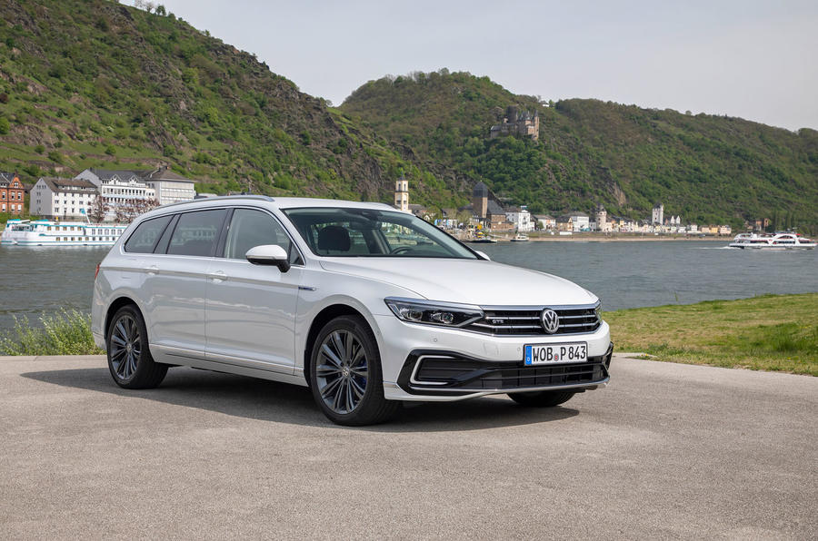 Volkswagen Passat GTE Estate 2019 first drive review - static front