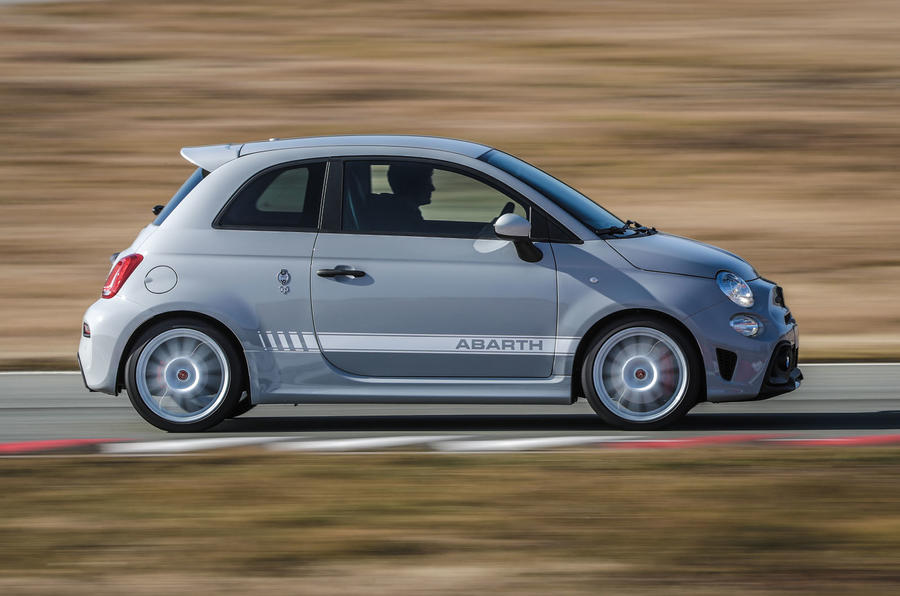 Abarth 595 Essesse 2019 first drive review - hero side