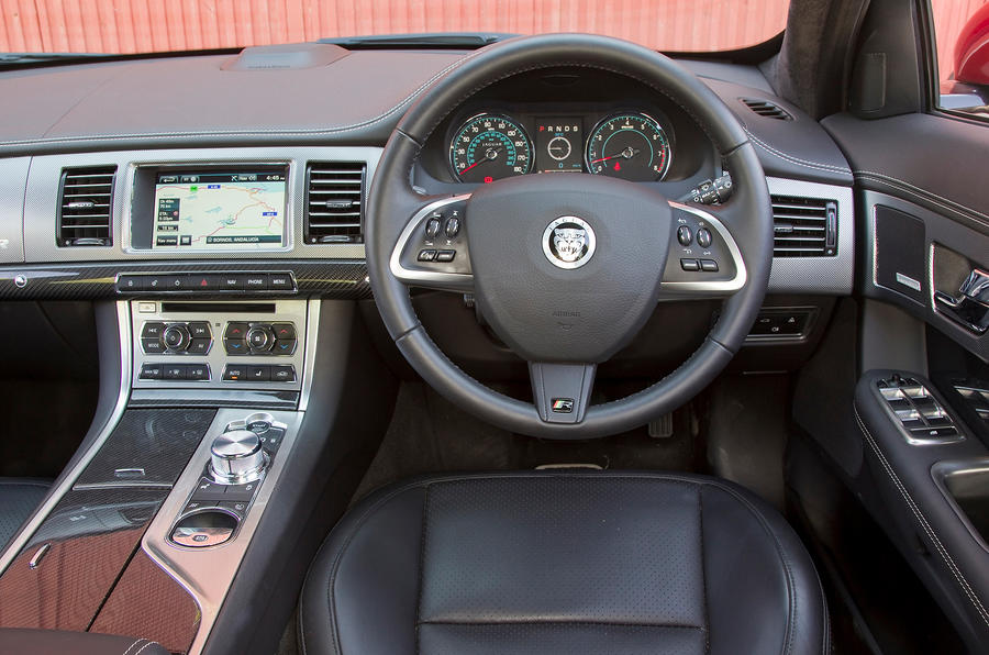 Jaguar XFR dashboard