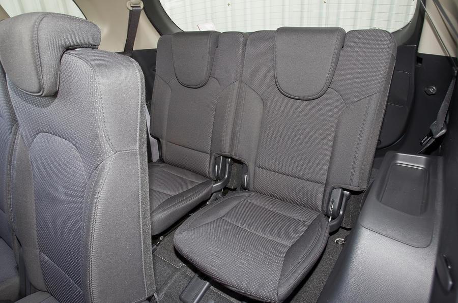 Kia Carens third row seats