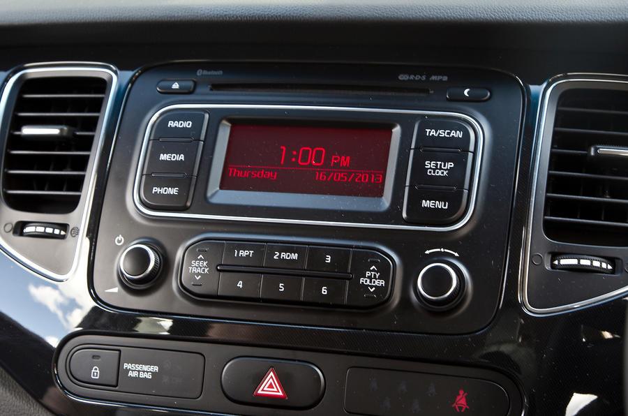 Kia Carens audio system