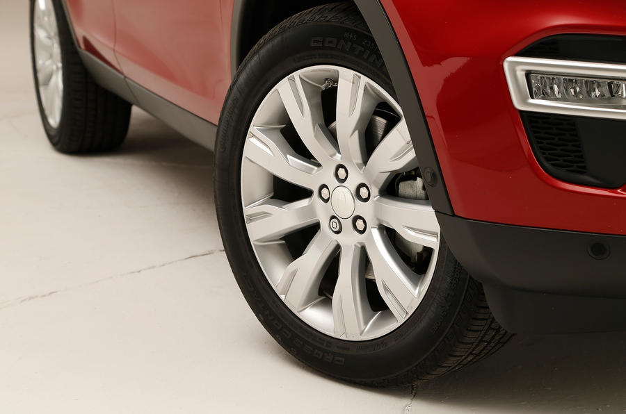 The cheaper Discovery Sport's get 18in alloys while the HSE Luxury and above get 19in versions as standard