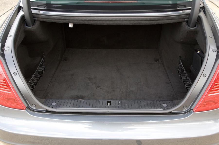 Mercedes-Benz CL boot space