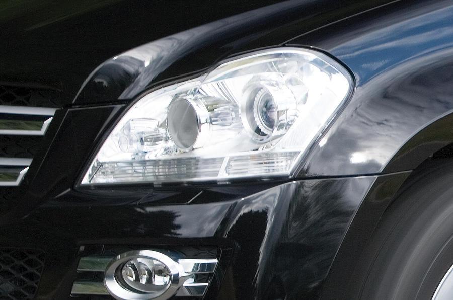 Mercedes-Benz GL headlights
