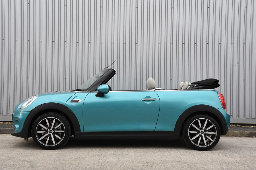 Mini Convertible roof open