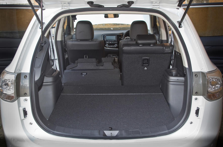 Mitsubishi Outlander PHEV boot space