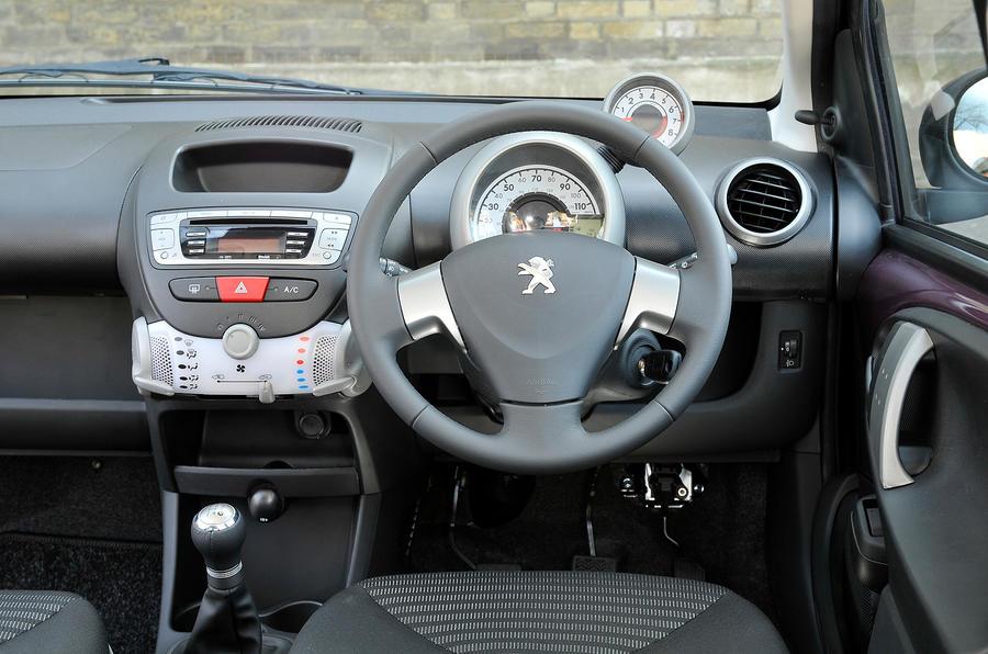 Peugeot 107 dashboard