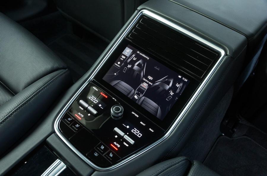 Porsche Panamera centre console