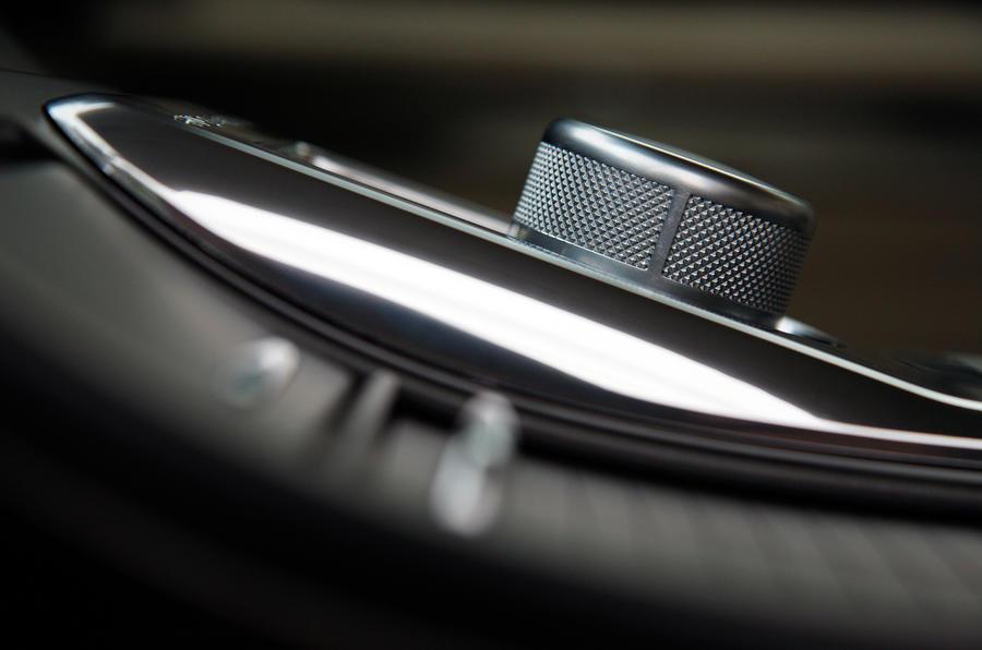 Range Rover Sport centre console