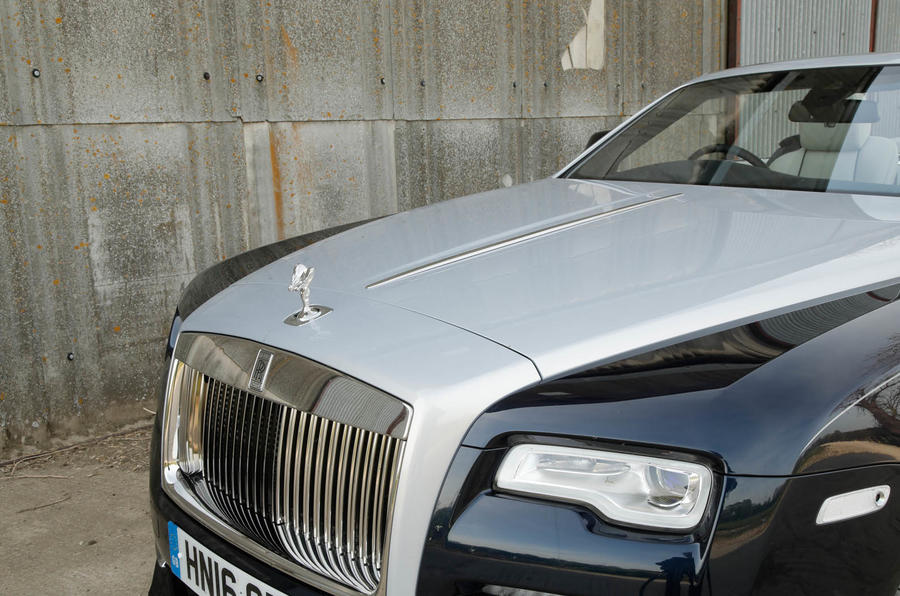 Rolls-Royce Dawn front grille