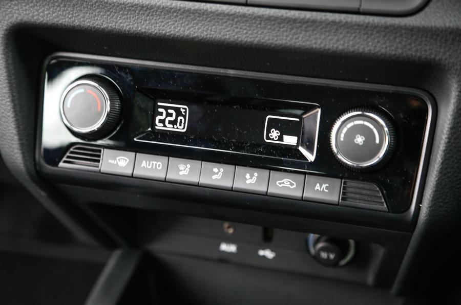 Skoda Fabia climate control switchgear