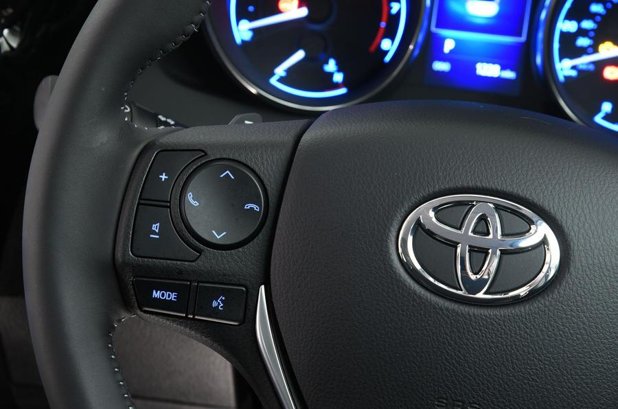 Toyota Auris Touring Sports steering wheel