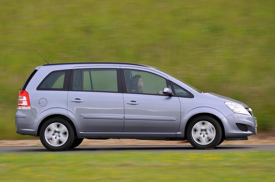 Vauxhall Zafira side profile