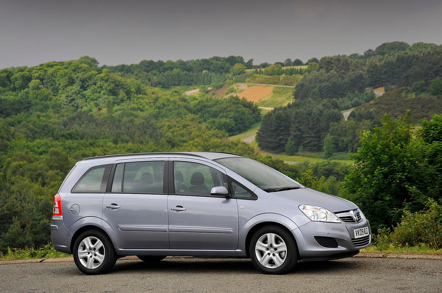 2.5 star Vauxhall Zafira
