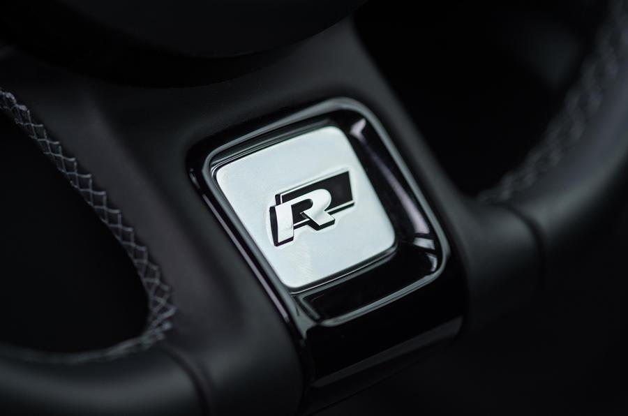 Volkswagen Beetle R-Line badging