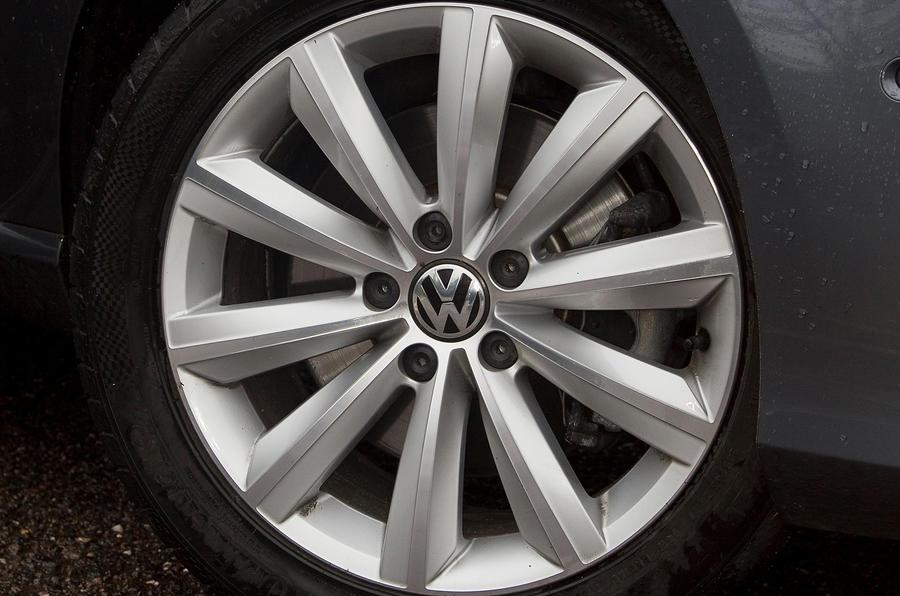 17in Volkswagen Passat alloy wheels