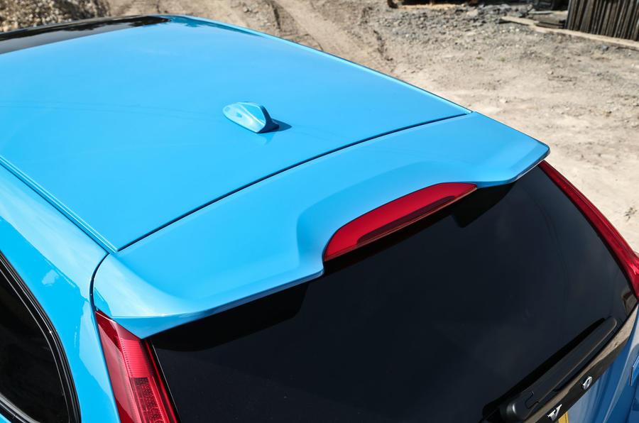 Volvo V60 Polestar roof spoiler